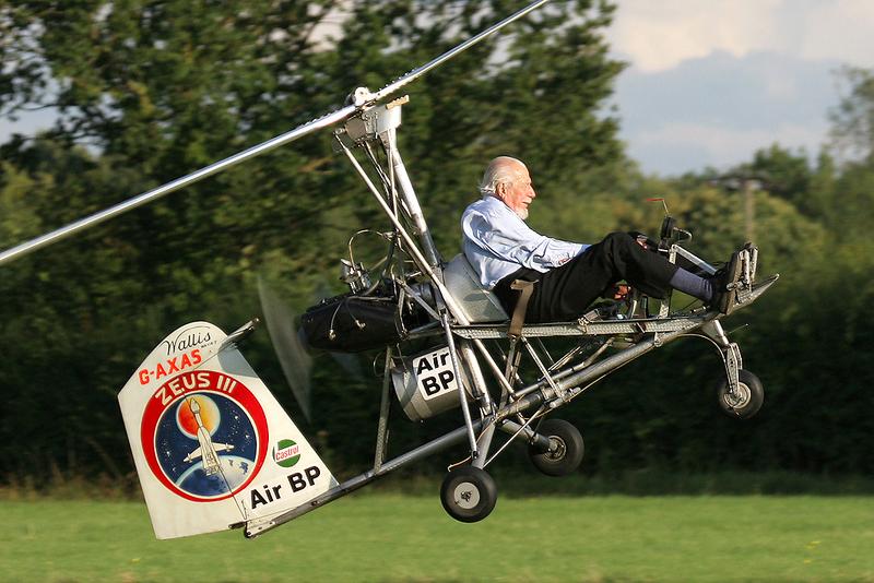 Ken Wallis Gyroplane flying